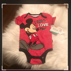 DISNEY BABY MICKEY MOUSE BOYS RED ONESIE SIZE 6MOS